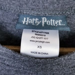 Warner Bros. Tops - Harry Potter Gray Graphic Short Sleeve T-shirt XS